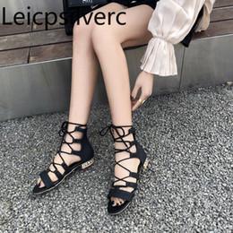 Женские сандалии лето новая мода твердые кружева-Up крышка пятки открытым носком плоские женские туфли плюс размер 31-44 от