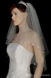 catedral estilo casamento véus Desconto Venda quente Véus De Noiva com Cristal para a Noiva Macia Véu de Noiva com Cristais Curto Em Camadas De Noiva Vail Barato