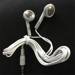 téléphone portable moins cher Promotion Écouteurs casque jetables blancs simples moins chers pour téléphone portable MP3 MP4 pour bus ou train ou avion pour école