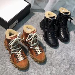 2019 elegantes zapatos de tacón bajo negro 2018 botas Martin de invierno botas de nieve cálidas con cinturón de lazo Zapatos de marca para hombres y mujeres Cuero genuino Botas cortas de fondo grueso Tamaño grande US11 12 47