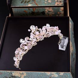 Kronen rosa tiaras online-Barock Handgemachte Rosa Kristall Braut Krone Vintage Hochzeit Haarschmuck Strass Tiaras Kristall Gold Perle Prom Tiara C19041703