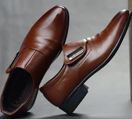 Billige hochzeit keile schuhe online-Große Herrenschuhe Günstige PU-Kleid Schuhe Gummi-Laufsohle italienischen Stil spitzen Schuhe, Party Hochzeit Schuhe 38-48