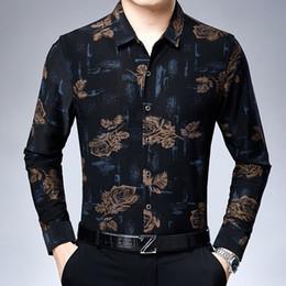 roupas de veludo de seda Desconto Flores Mens Shirts manga comprida 2019 Velvet inverno camiseta Mens Clothing Silk Rose Impresso velo Retro Vestido Quente