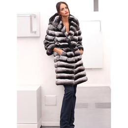 Capa de casaco de pele de coelho on-line-Mulheres Moda Com capa Grosso Quente Chinchilla Rex Rabbit Fur Whole New Pele Brasão Natural real Fur Casacos vestuário personalizado