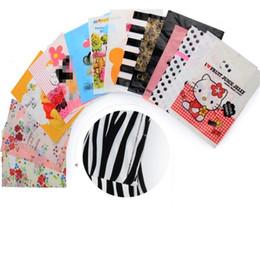 Vêtements en zigzag en Ligne-Les sacs en plastique portables pour les magasins de vêtements pour hommes et pour femmes utilisent un sac d'emballage pour un sac de rangement pour sacs enfants et sacs à provisions 4674