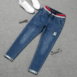 2019 pizzo di jeans patch Jeans stretch jeans taglia forti jeans donna elasticizzati Nove papillon patch cropped donna 5XL sconti pizzo di jeans patch