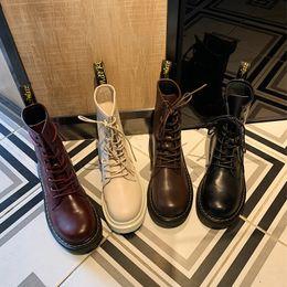 2019 nuovi qualità Dr pattini di cuoio genuini uomini e le donne caricamenti del sistema High Top Moto Autunno Inverno Lover scarpe stivali da neve da