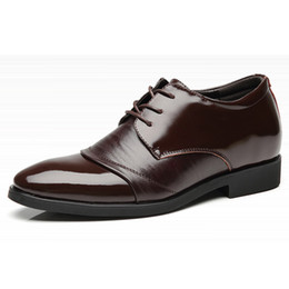 Aumentar as sapatas do elevador on-line-Genuine Leather Shoes Shoes Elevador Formal para o vestido de couro dos homens sapatos bicudos Toe lacing altura crescente 6 CM Mens sapatos de casamento