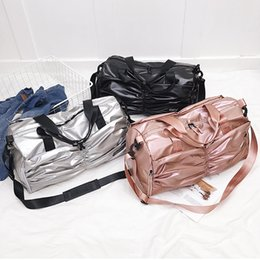 2019 compartimientos de bolsos grandes Gran Capacidad de Bolsas de Gimnasio Bolso de Mujer Compartimiento de Zapatos Bolsas de Deporte A Prueba de agua para Entrenamiento de Fitness Yoga Bolsa Sac De Sport compartimientos de bolsos grandes baratos
