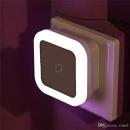 2019 éclairage à économie d'énergie Veilleuse de nuit à LED Automatique Capteur de lumière murale pour HallwaySquare Intelligent Contrôle de la lumière à LED Induction Smart Home Energy Saving Night Li promotion éclairage à économie d'énergie