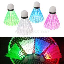 4 pcs de Plástico Colorido LED Badminton Luminoso Iluminação Noturna Escuro Shuttlecock Badminton Acessórios de