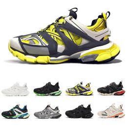 2019 trilhas esportivas Designer Shoes Casual Triple S Pista 3.0 Marca Cinza Laranja Homens amarelo mulheres casuais sapatos de plataforma desportivos Sapatilhas Homens Trek Trainers trilhas esportivas barato
