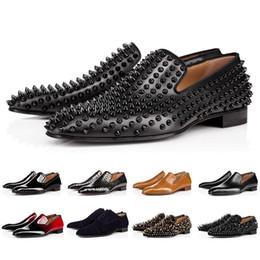 colpisce le scarpe da atletica Sconti Scarpe di lusso 2019 Christian Louboutin inferiore Designer Red Bottoms borchie Punte di marca CL Mens casuali del partito delle donne degli uomini Lover scarpe sportive