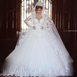 Abiti da sposa monarca online-2018 Lace Monarch Train Abito da sposa Designer White Ivory US Taglia manica lunga Abito da sposa Vestido De Noiva