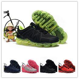 nike air max Vapormax 2019 niños pequeños Diseñador Zapatos para correr Chaussures pour enfants 2019 kpu Niños niños niñas Deportes atléticos Correr Zapatillas para caminar desde fabricantes