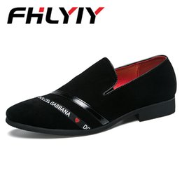 England fashion shoes online-Neue Männer Schuhe England Business Casual Formal Echtes Leder Schuhe Vintage Mode Kleid Hochzeit Chaussure Homme Zapatos