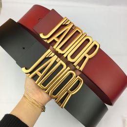 Cintura in pelle beige online-Cintura di alta qualità in pelle di lusso alla moda signore in pelle casual lettere fibbia liscia cintura in pelle nera e rossa 7 centimetri cintura corpo A-0356