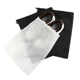 Sacchetto di scarpe da imballaggio del drawstring online-Immagazzinaggio Sacchetto non tessuto riutilizzabile della copertura del pattino con coulisse di caso traspirante prova della polvere Sundries pacchetto casa Strumenti RRA1923