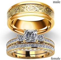 Anéis barrocos on-line-Novo Barroco Multi Três Pedras Princesa Cut Diamantes Anéis Banda Com Cristal Do Vintage Para As Mulheres Conjuntos De Anel De Noivado De Casamento