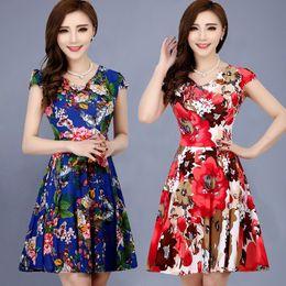 2019 mittelalter frau kleider Sommerkleid für Frauen in mittlerem Alter langer kurzärmeliger Rock in mittlerem Alter in einem Kleid günstig mittelalter frau kleider