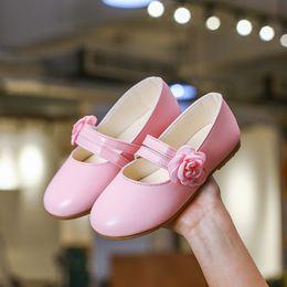 2019 12-летние девушки Детская обувь для девочек Цветочная кожаная обувь Девушки одеваются кроссовки Весенняя свадебная вечеринка школа 2 3 4 5 6 7 8 9 10 11 12 лет дешево 12-летние девушки