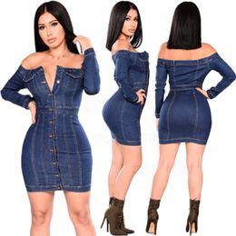 2019 estilo de lavagem jeans 2019 estilo quente de Slash pescoço lavagem sexy skinny jeans apertado vestido hip pacote de design vestido denim Strapless denim saia Botão estilo de lavagem jeans barato