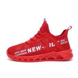 Moda deportiva para chicas online-niños grandes minoristas zapatos deportivos casuales Niños que se ejecutan calza muchachos jóvenes zapatos de baloncesto de tamaño 5 chicas zapato diseñador de moda zapatillas de deporte de los niños