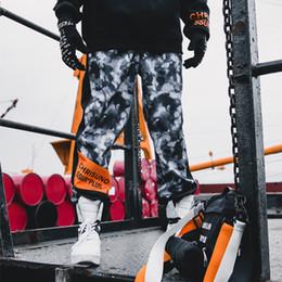 Schwarze rote tarnhose online-19SS Camouflage Sport Bottom-Hose für Männer und Frauen Tide Pants, Polyester Mid-Taille Sporthose, Schwarz-Rot-Lila Größe S-XL