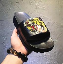 clip di piedi Sconti 19 Stili pantofole da uomo di design Piedi clip in vera pelle stile flip stile European Tiger stile Scarpe sandali con scatola