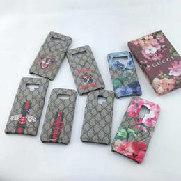 чехлы на сотовый телефон Скидка Роскошный змеиный пчелиный принт Дизайнерский чехол для телефона для IPhoneX XS Max XR 8plus 8 7plus 7 6 6s Fashion Plug-in Card Чехлы для смартфонов