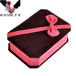cajas de regalo de satén al por mayor Rebajas OMHXFC Venta al por mayor elegante vino rojo terciopelo colgante collar accesorios de embalaje joyería Diaplay caja de embalaje de regalo GB04