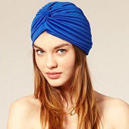 Zubehör hijab party online-Unisex India Cap Headwrap Hut 19 Farbe Frauen Turban Skullies Beanies Männer Bandana Ohren Protector Hijab Plissee Cap Haarschmuck
