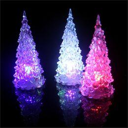 Tienda de luz nocturna online-Árbol de navidad de acrílico de luminiscencia Juguetes colorida de la noche de luz LED al aire libre Tienda Inicio la decoración del partido Prop regalo 1 1GJ H1