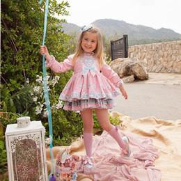 Girls lace dress socks on-line-Meninas Vestidos Bordados Terno Crianças Meninas Vestidos Lace Floral Princesa Saia Três Conjuntos De Saia Headband Meias Algodão Autmun 43