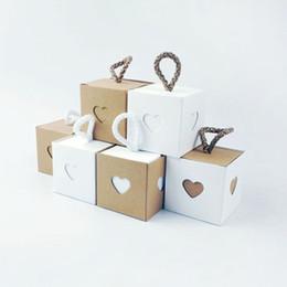 Artesanato caixas de doces on-line-Caixas De Doces Do Favor Do Casamento Amor Coração Artesanato De Papel Caixas De Presentes Da Festa De Casamento Caixa De Embalagem Do Bebê Chuveiro Favor Do Partido Suprimentos 50 pcs