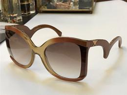 2019 diseñador de mariposas Nueva moda gafas de sol mujer diseñador de la marca marco de la mariposa marco de la moda grande 4083 diseñador italiano desfile de moda de estilo barroco de calidad superior diseñador de mariposas baratos