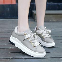 2019 nuove scarpe a cuneo a molla 2019 Primavera Autunno Nuovo Designer  Zeppe Platform Sneakers Donna abb0026c505