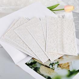 10 pezzi / set kit di biglietti d'invito verticali a farfalla tagliati al laser per la doccia da sposa biglietto di auguri di Natale (bianco) da