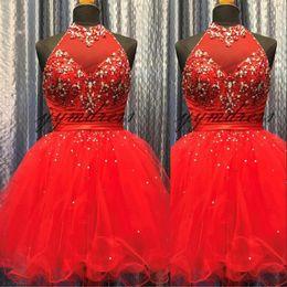 f7dd8c34c836 Luxury Red Beaded Short Prom Dresses 2019 Una linea High Neck Plus Size Abiti  da festa di ritorno a casa Abiti da sera formale Vestido De Festa abiti  rossi ...