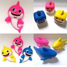 reductor de metal Rebajas Squishy Baby Shark Decompression Toy PU Vent Vent lento rebote juguetes lindo para niños muñeca 3 estilos venta caliente 8at D1