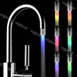 Chuveiro iluminado on-line-LED torneira de água Fluxo de luz 7 cores mudando Água Brilho Led Light Shower Mudança Luz Cor de Cozinha Casa de banho EPACKET