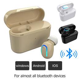 2020 auriculares monoaurales P26 Bluetooth 5.0 Mini receptor de cabeza monoaural impermeable sin hilos Sweatproof auriculares con carga carro de cartón auriculares monoaurales baratos