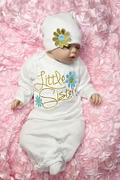Indumenti da notte della bamboletta del cotone online-Cappello Set Tutina Neonata appena nata che gli indumenti da notte infante floreale cotone a maniche lunghe vesti Babydoll Layette Notte abito Bundler