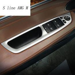 Etiqueta do painel da porta do carro on-line-Estilo do carro Do Braço Da Porta painel de decoração Tampa Adesivo Guarnição para BMW X5 e70 X6 e71 Janela de Vidro Botões de Elevação Auto Acessórios