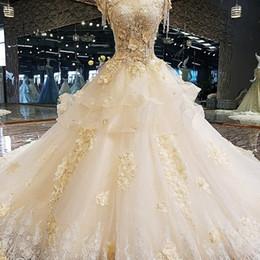 2019 turquía vestidos de novia rojo 2019 El más nuevo diseño de lujo elegantes de la flor 3D vestido para la novia de cuello alto con cuentas de bola del vestido del casquillo mangas de encaje del vestido de boda Real Fotos