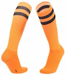 Calcetines largos lisos online-Por encima de la rodilla de fútbol calcetines del calcetín del fútbol Niños Llanura calcetines largos de fútbol Medias hombres mayores de Rodilla del calcetín del béisbol