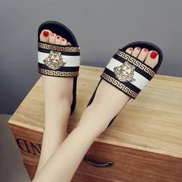 Canada Nouveau Femmes Sandales Mode Été Tongs Soutien-gorge Femmes nd Chaussures Fleurs et Confortable En Plein Air Plat Sandal Beach Pantoufles Offre