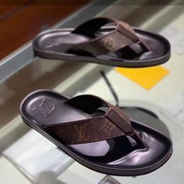 2019 corde di branelli in plastica G1053N spedizione gratuita estate nuovo stile logo di buona qualità pantofole da uomo infradito da uomo piedi pantofole sandali antiscivolo scarpe di gomma 38-45
