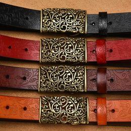 2018 cinturones de moda para mujer cinturones mujer para mujer de cuero ahuecan hacia fuera el cinturón vintage floral hebilla de metal cinturones anchos desde fabricantes