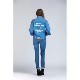 2019 девушки размер длинные джинсы Женщины пальто синий джинсовая куртка с длинным рукавом отложным воротником уличная одежда для девочек верхняя одежда плюс размер 5XL сплошной Письмо печати дешево девушки размер длинные джинсы